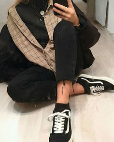 Korean Fashion Trends you can Steal – Designer Fashion Tips Look Fashion, 90s Fashion, Korean Fashion, Winter Fashion, Fashion Outfits, Womens Fashion, Fashion Trends, Fashion Hacks, Mode Outfits
