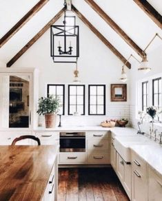 Our Family's Future Hill Country Home Inspiration: Modern Farmhouse Kitchens - H. Farmhouse Sink Kitchen, Country Farmhouse Decor, Modern Farmhouse Kitchens, Home Decor Kitchen, Rustic Kitchen, Country Kitchen, New Kitchen, Home Kitchens, Kitchen Ideas