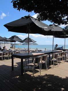 Charley Farley's in Onetangi, one of my favourite places Waiheke Island, Most Favorite, Beautiful Beaches, Things To Do, Scenery, Patio, Wine, World, Places