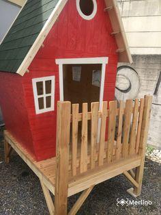 Casetta in legno da esterno. Adatta a bambini di età compresa tra 3 e 6 anni. Realizzabile su misura e con colori personalizzabili. Merlin, 3, Shed, Outdoor Structures, Design, Sanitary Napkin, Sheds, Tool Storage
