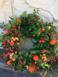 Hubble Bubble, New Thought, Spring Wreaths, Happy Halloween, Fall Decor, Greenery, Floral Wreath, Bubbles, Arts And Crafts