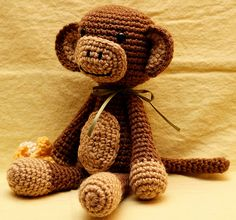Ravelry: Amigurumi Monkey pattern by Betsi Brunson-I am in love with this monkey!!