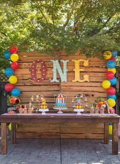 Animal Circus Themed First Birthday Party - Inspired by This #Circus