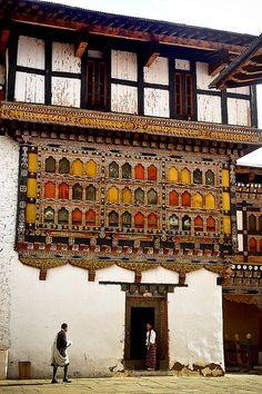 Paro Dzong,Bhutan - Inspiring picture on Joyzz.com