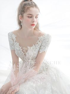 Hijab Wedding Dresses, Dressy Dresses, Dress Outfits, Wedding Gowns, Fashion Dresses, Dress Up, Beautiful Asian Girls, Beautiful Bride, Gowns For Girls