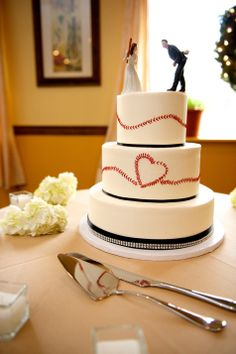 Baseball inspired wedding cake // Baltimore Cakery // Gobrail Photography  thought of Hanny!