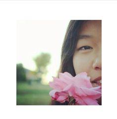 Retrato de una señorita con una rosa