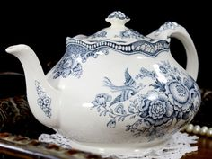 transferware bristol england teapot crown ducal 12766 grey blue made tea pot in Crown Ducal Bristol Grey Blue Transferware Teapot Tea Pot Made in England can find Tea pots and more on our website Tea Cup Saucer, Tea Cups, Norman Foster, Cuppa Tea, Tea Pot Set, Blue And White China, Blue Grey, Teapots And Cups, Tea Service
