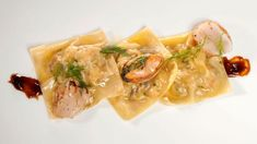 Receta de Raviolis de marisco Canapes, Polenta, I Foods, Thai Red Curry, Risotto, Cabbage, Spaghetti, Chicken, Vegetables