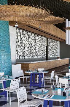Paola Navone's Point Yamu by Como, Phuket Restaurant Interior Design, Cafe Interior, Design Hotel, Interior Modern, Kitchen Interior, Coffee Shop Design, Cafe Design, Design Design, House Design