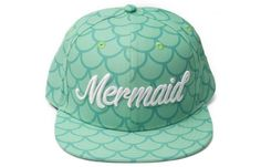 Mermaid Hat from Cakeworthy. My most recent purchase. Because I& a mermaid duh. Mermaid Hat, Mermaid Kisses, Mermaid Outfit, Mermaid Room, Mermaid Gifs, Mermaid Beach, Disney Outfits, Cute Outfits, Gogo Tomago