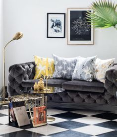 The tropical decor trend is hot stuff this summer! Check out these hot styled cheap decor details that will spice up your furniture for sure Decor, Interior, Living Room Decor, Home Decor, House Interior, Living Room Trends, Trending Decor, Home Interior Design, Interior Design