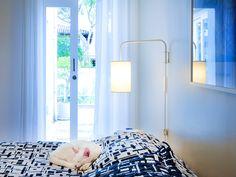 Quando o imóvel vira um lar. Veja: http://casadevalentina.com.br/projetos/detalhes/finalmente-completa-595 #decor #decoracao #interior #design #casa #home #house #idea #ideia #detalhes #details #charm #style #estilo #casadevalentina #bedroom #quarto
