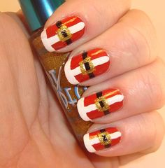 Santa Claus nail art white and red