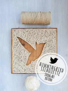 This is a modern hummingbird string art pattern digital download 7.9 x 7.9 (20x20cm). Minimal wood base size: 7.9 x 7.9 (20x20cm). If you are interested in the finished product, it can be found here: https://www.etsy.com/listing/570321079/ Making modern nail and string art decorations is