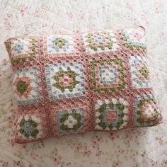 08035500 You may remember a couple weeks ago I did a whole post about shabby chic projects I love. The main picture for that post had the cutest lavender shabby bedroom with a granny square pillow sham. It was gorgeous and I thought about that silly pillow sham forever. Since I couldn't find a how to, …