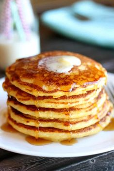 Fluffy Cornmeal Pancakes - Serve with maple syrup or smother with cinnamon honey butter. Cornmeal Pancakes, Breakfast Pancakes, What's For Breakfast, Breakfast Items, Pancakes And Waffles, Breakfast Dishes, Paleo Breakfast, Yogurt Pancakes, Pancakes Easy