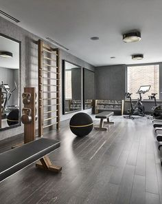A home gym is a wonderful means to save cash. Have a look on top home gym ideas along with tiny exercise area ideas for your home. gym √ Best Home Gym Ideas and Gym Rooms for Your Training Room Dream Home Gym, Gym Room At Home, Workout Room Home, Best Home Gym, Workout Rooms, Workout Room Decor, Exercise Rooms, Casa Retro, Home Gym Decor