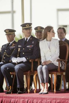 Prince Felipe , Princess Letizia and their daughters attended a ceremony to mark the anniversary of the class of Air Force General Academy (AGA) at San Javier air base in San Javier ,Murcia. Crown Princess Victoria, Crown Princess Mary, Princess Style, Queen Maxima, Queen Letizia, Prince Felipe, Hugo Boss, Style Royal, Spanish Royalty