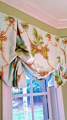 Beautiful London shade with optional trims – Curtains 2020 Interior Window Trim, Store Decor, Curtains, Window Design, Balloon Shades, Curtain Designs, Sale Decoration, Relaxed Roman Shade, Valance Window Treatments