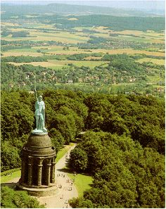Herman-Denkmal Monument honoring 9 A.D. victory of Arminius over the Romans, Teutoberger Forest, Lippe-Detmold, Nordrhein-Westfalen, Germany