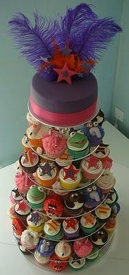 Muppet cupcake tower! Yeah, Yeah! Let's get things started on the MUPPET SHOW TONIGHT!