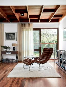 We rediscover an extraordinary modernist house last featured in House & Garden 60 years ago Floor Sitting, 21st Century Homes, English Country Decor, Wooden Staircases, London House, Space Architecture, Coastal Cottage, Living Room Interior, Furniture Design