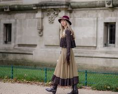 hat. Paris Fashion Week SS2016 - Grand Palais | THE STYLESEER
