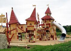 Покрытие для детской площадки-мульча (декоративная щепа из коры или древесины)