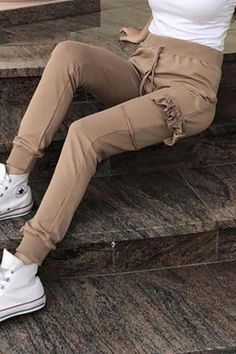 The casual pure color  loose casual pants with pocket is so casual and you  will like it. #pantsoutfit #jeans #pantsforwomen #pantsforwomencasual #jeans #women'sjeans #pantsforwomenfashion  #pantsoutfitwork #pantsoutfitcasual #highwaistedpants Leggings Fashion, Fashion Pants, Fashion Outfits, Womens Fashion, Latest Fashion Design, Colored Pants, Leggings Are Not Pants, Pants For Women, Jeans Women