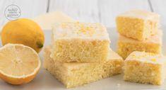 Einfaches Zitronenkuchen-Rezept, das auch Anfänger leicht nachbacken können. Der Zitronenblechkuchen ist sehr saftig und hält mehrere Tage frisch.
