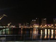 Noche em Puerto Madero Great Places, New York Skyline, Romantic, Architecture, Travel, Buenos Aires, Night, Arquitetura, Viajes