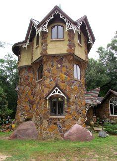 the Castle, the home of Dean Mosher, a Fairhope artist - Travel Photos by Galen R Frysinger, Sheboygan, Wisconsin