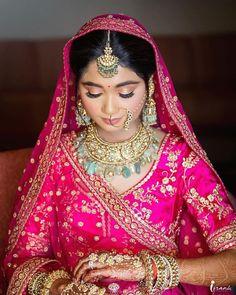 Indian Bridal Photos, Indian Bridal Fashion, Indian Fashion Dresses, Indian Designer Outfits, Designer Dresses, Indian Photoshoot, Bridal Photoshoot, Indian Bridesmaid Dresses, Bridal Dupatta