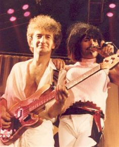 John and Freddie September 4, 1984 www.queenlive.ca
