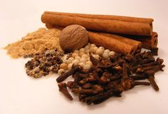 Speculoos, Spread and Spice Mix Recipes - German Culture List Of Spices, Spices And Herbs, Dutch Recipes, Tea Recipes, Beignets, Homemade Chai Tea, Dark Chocolate Recipes, Chai Tea Recipe, Apple Pie Spice