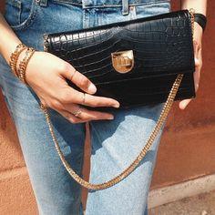 Monday look with #Rubeus #FRIDA black crocodile clutch bag