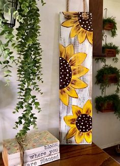 Sunflower hand painted sign, add your own wording or leave blank. Made with reclaimed wood. This is sketched out and hand painted, no two will look the same. Our cute sunflower sign would look great on the front door or entryway to your home, apt. Fall Crafts, Arts And Crafts, Diy Crafts, Wood Crafts Summer, Christmas Wood Crafts, Leaf Crafts, Thanksgiving Crafts, Pallet Painting, Painting On Wood