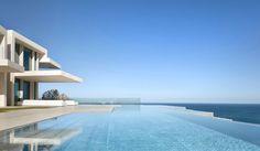 The Sardinera House par le studio d'architecture espagnol Ramón Esteve Estudio