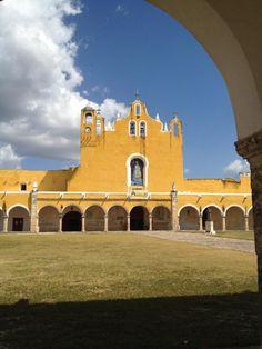 Ex-convento de Izamal, Yucatán.