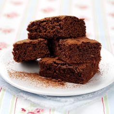 This Low Calorie Brownies Recipe is truly scrumptious and only contains 179 kcal & 11.6% fat per serving!