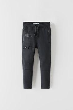 Boys Joggers, Mens Jogger Pants, Boys Clothes Style, Zara Boys, Just Beautiful Men, Kids Pants, Men's Wardrobe, Zara United States, Athletic Pants