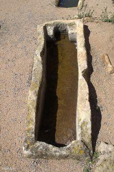 Necrópolis Medieval. Sant Esteve de Canapost. Canapost. Girona