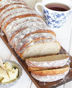Randig rågsiktslimpa - Lindas Bakskola & Matskola Swedish Bread, Bread Bun, Swedish Recipes, Fika, Freshly Baked, Bread Baking, Banana Bread, Breakfast Recipes, Brunch
