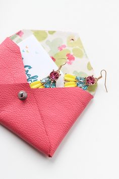 Pinned It, Loved It, Made It: DIY Envelope Clutch @thecraftedlife