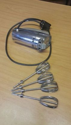 Antique Electric Blender. Works perfectly. Stunning appliance.Very heavy – not like the commercial appliances. Been in the family for 3 generations and they have no use for it anymore. Any offers? Based in Roodepoort / Weltevreden Park. [011] 039-8092 Jacki.