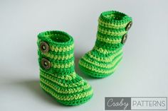 Hello crocheters! It's time for another FREE PATTERN. This time we will work on the baby booties appropriate for autumn and winter. You will needsomeyarn in two shades of one color in my case thi...