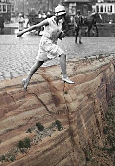 Franz Falckenhaus - Contemporary Artist - Collage - Toujours aller plus loin Collages, Collage Artists, Photomontage, Graffiti Art, Collage Poster, Kunst Online, Sidewalk Art, 3d Street Art, Mixed Media Collage
