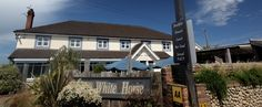 The White Horse in Brancaster Staithe.Only 10 mins drive from our #hencamp on the #NorthNorfolkcoast http://www.2posh2pitch.co.uk