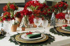 mesa de natal, decoração de natal, mesa posta, ceia, mesa vermelha, dobradura de guardanapo, árvore de natal, christmas decor, tablescape, napkin christmas